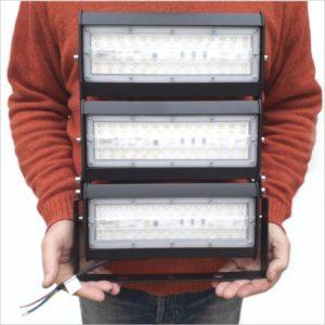projecteur-led-150W-grande-hauteur